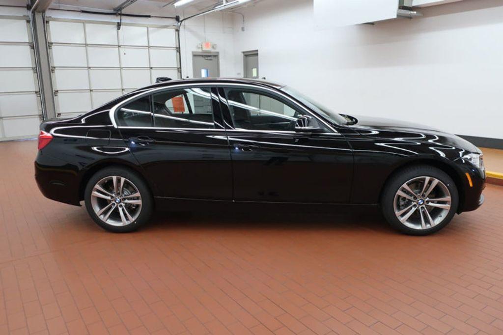 2018 BMW 3 Series 330i - 16883640 - 4