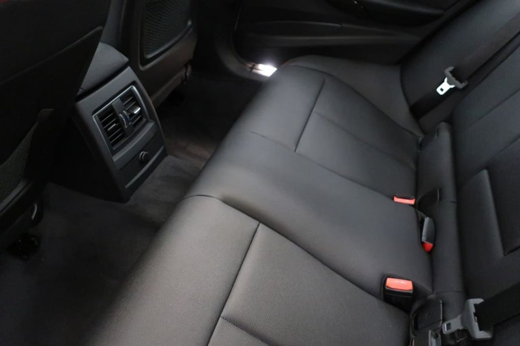 2018 BMW 3 Series 330i - 16904553 - 21