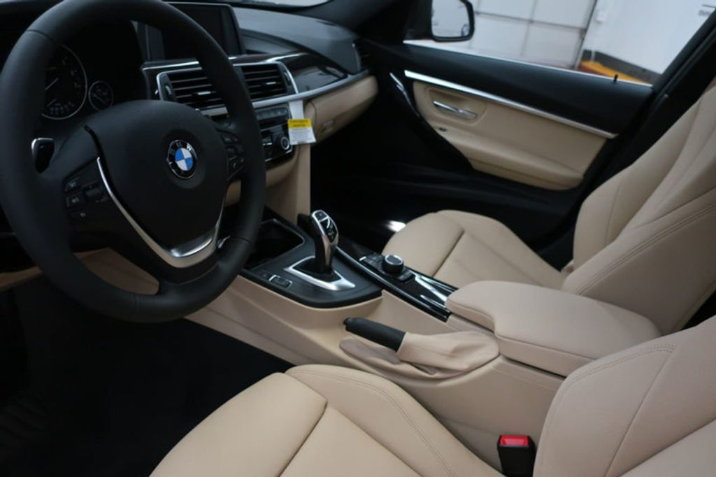 2018 BMW 3 Series 330i - 16912375 - 11