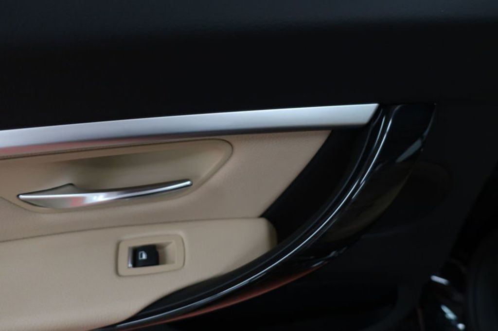 2018 BMW 3 Series 330i - 16912375 - 19