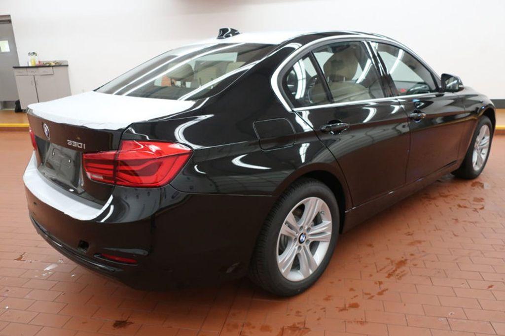 2018 BMW 3 Series 330i - 16912375 - 3