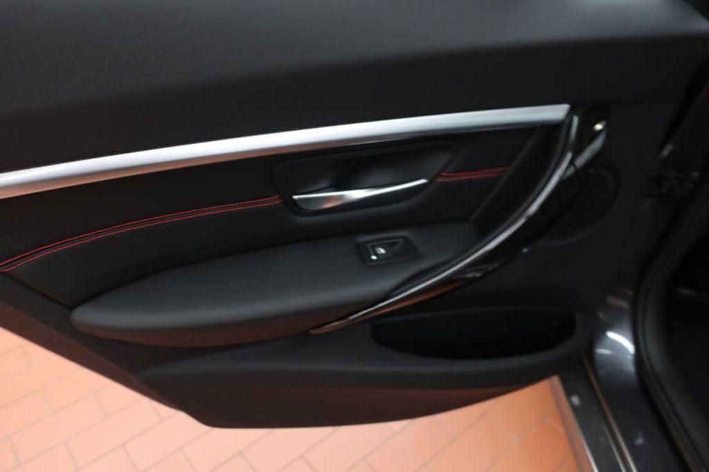 2018 BMW 3 Series 330i - 16974596 - 18