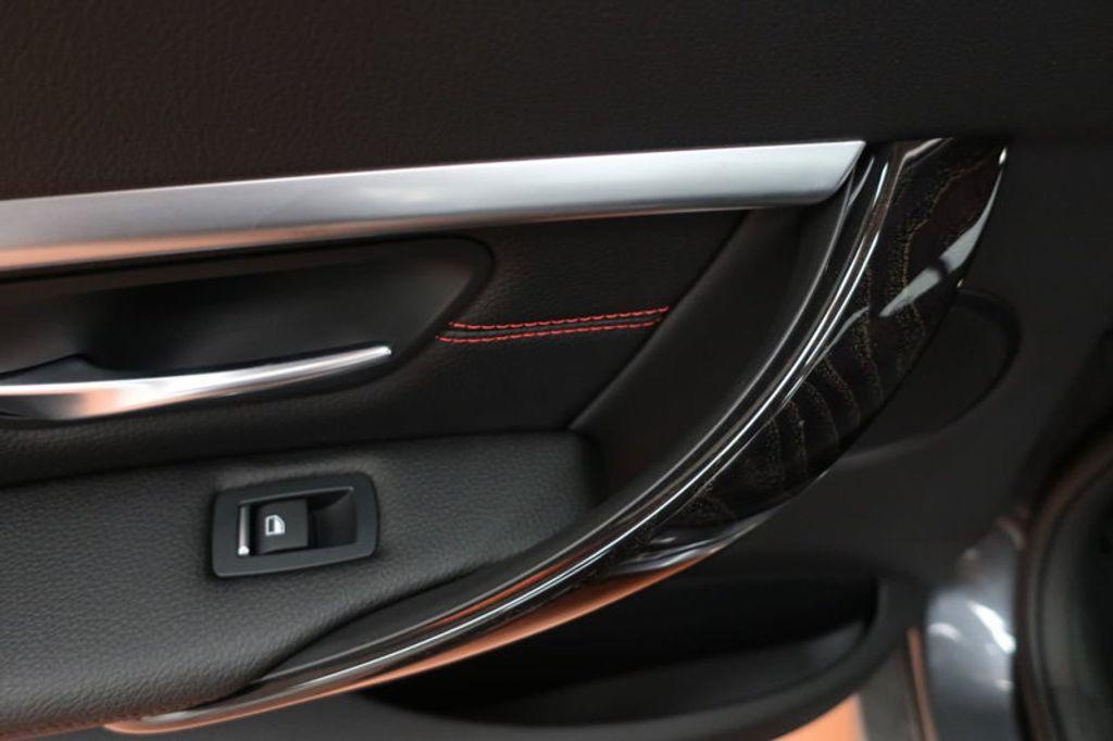 2018 BMW 3 Series 330i - 16974596 - 19