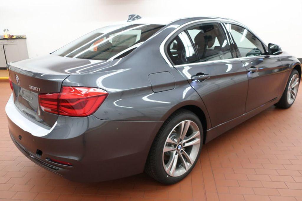 2018 BMW 3 Series 330i - 16974596 - 3