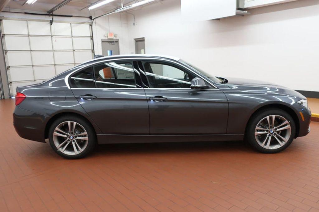 2018 BMW 3 Series 330i - 16974596 - 4