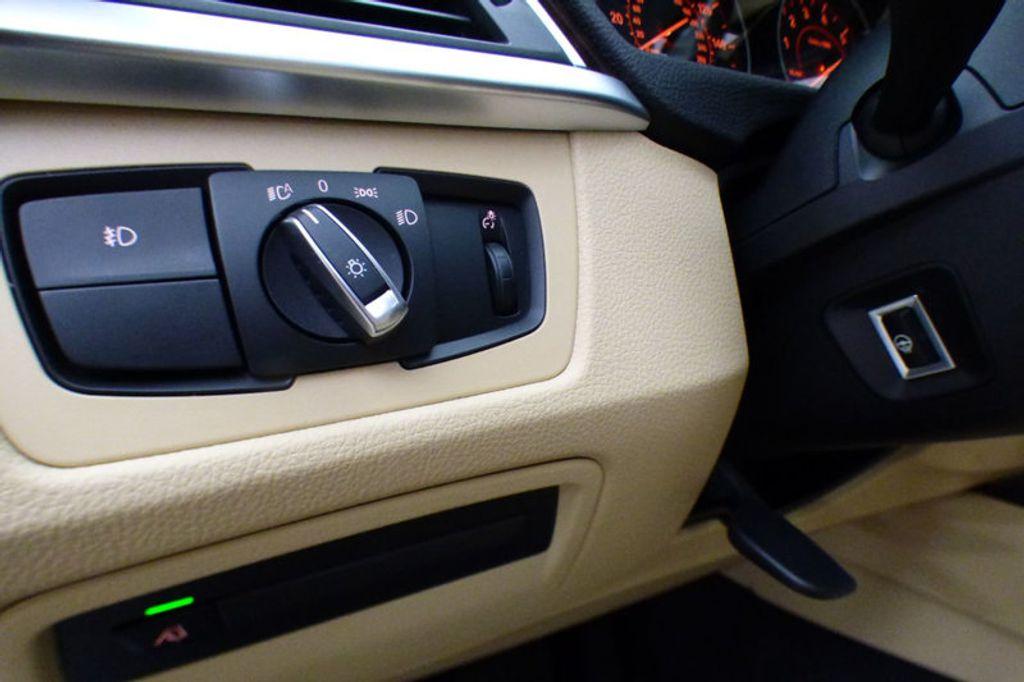2018 BMW 3 Series 330i xDrive - 17421742 - 10