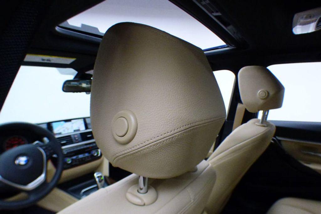 2018 BMW 3 Series 330i xDrive - 17421742 - 11