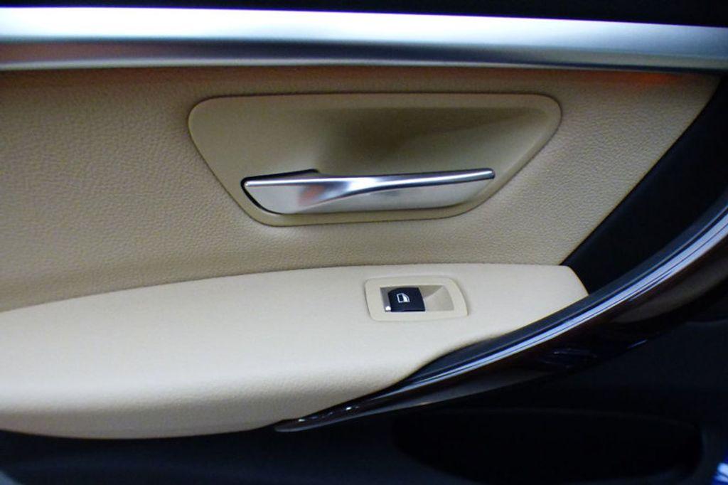 2018 BMW 3 Series 330i xDrive - 17421742 - 15