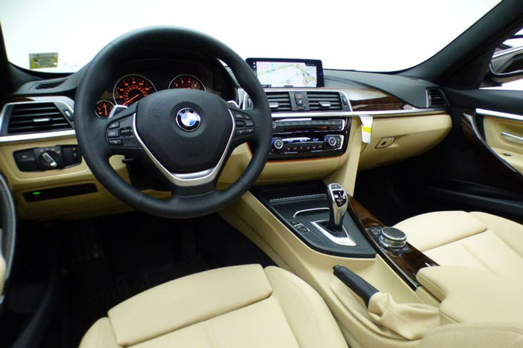 2018 BMW 3 Series 330i xDrive - 17421742 - 25