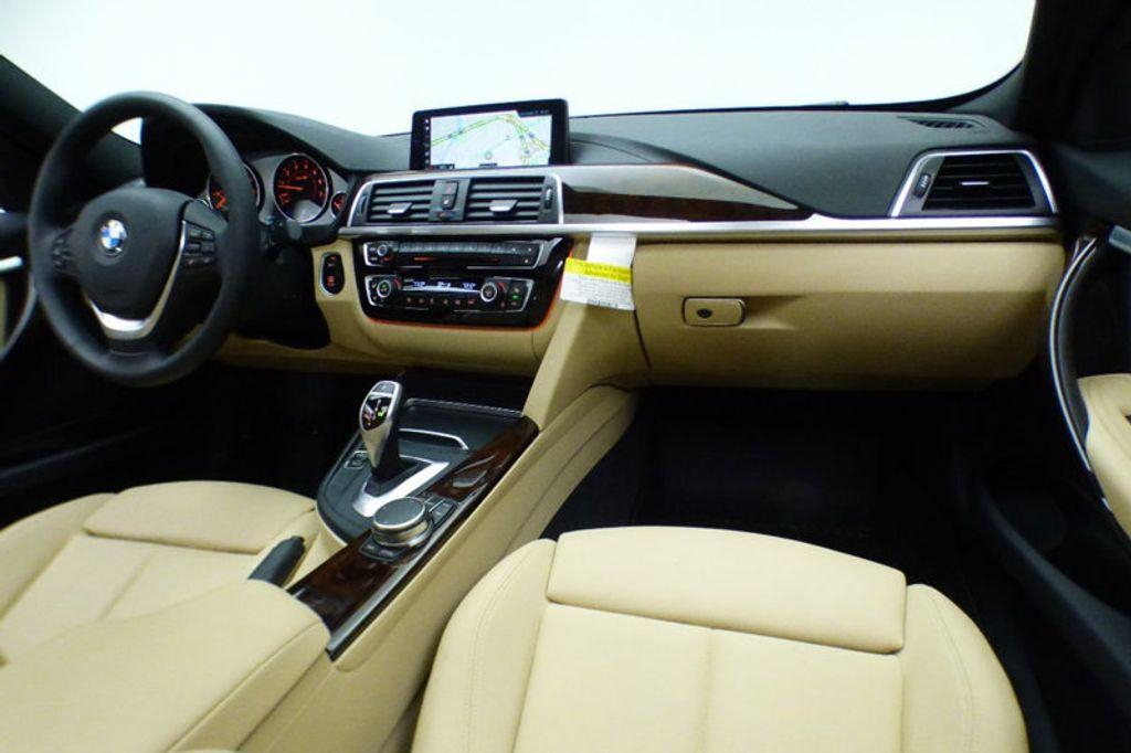 2018 BMW 3 Series 330i xDrive - 17421742 - 26