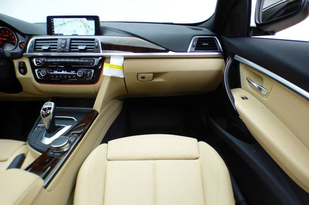 2018 BMW 3 Series 330i xDrive - 17421742 - 27