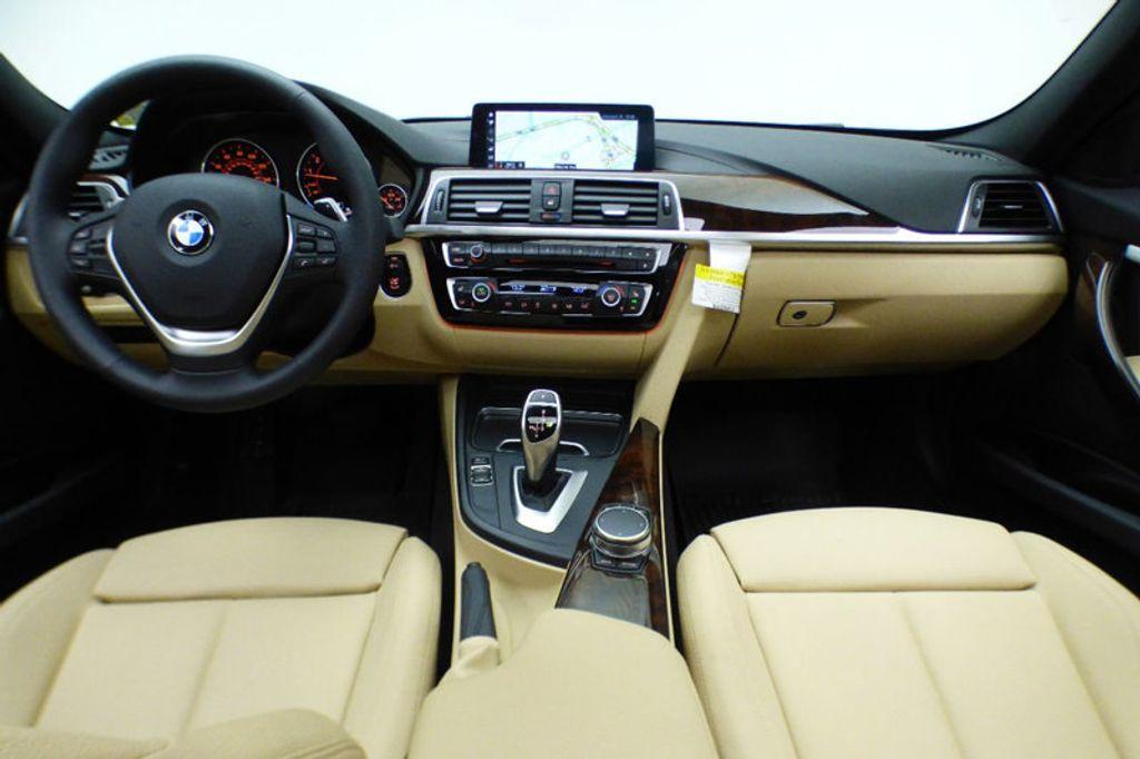 2018 BMW 3 Series 330i xDrive - 17421742 - 28