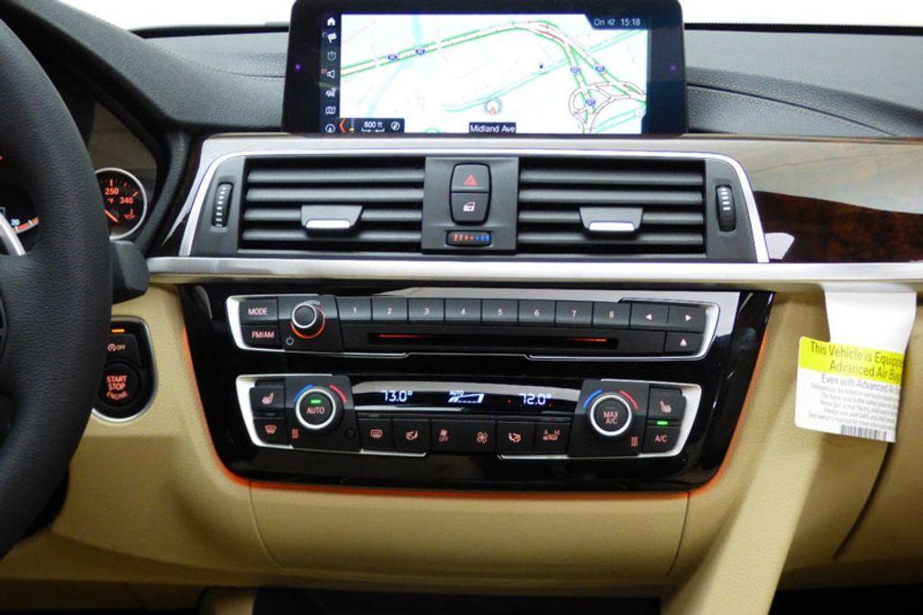 2018 BMW 3 Series 330i xDrive - 17421742 - 29