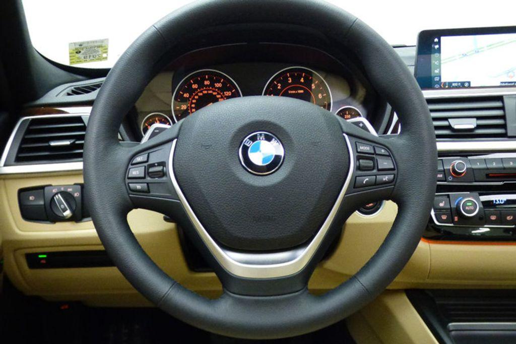 2018 BMW 3 Series 330i xDrive - 17421742 - 32