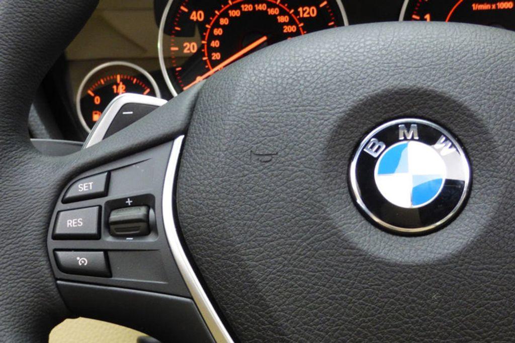 2018 BMW 3 Series 330i xDrive - 17421742 - 33
