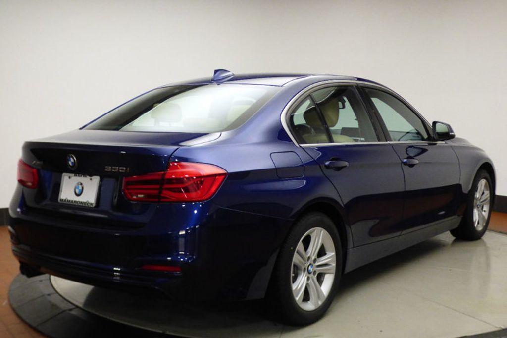 2018 BMW 3 Series 330i xDrive - 17421742 - 5