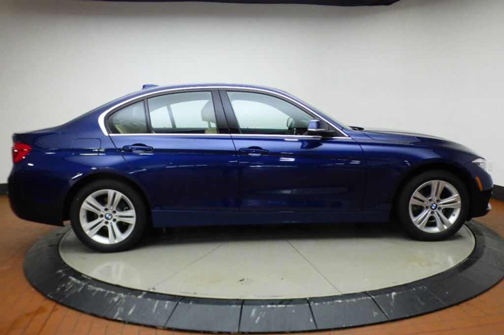 2018 BMW 3 Series 330i xDrive - 17421742 - 6