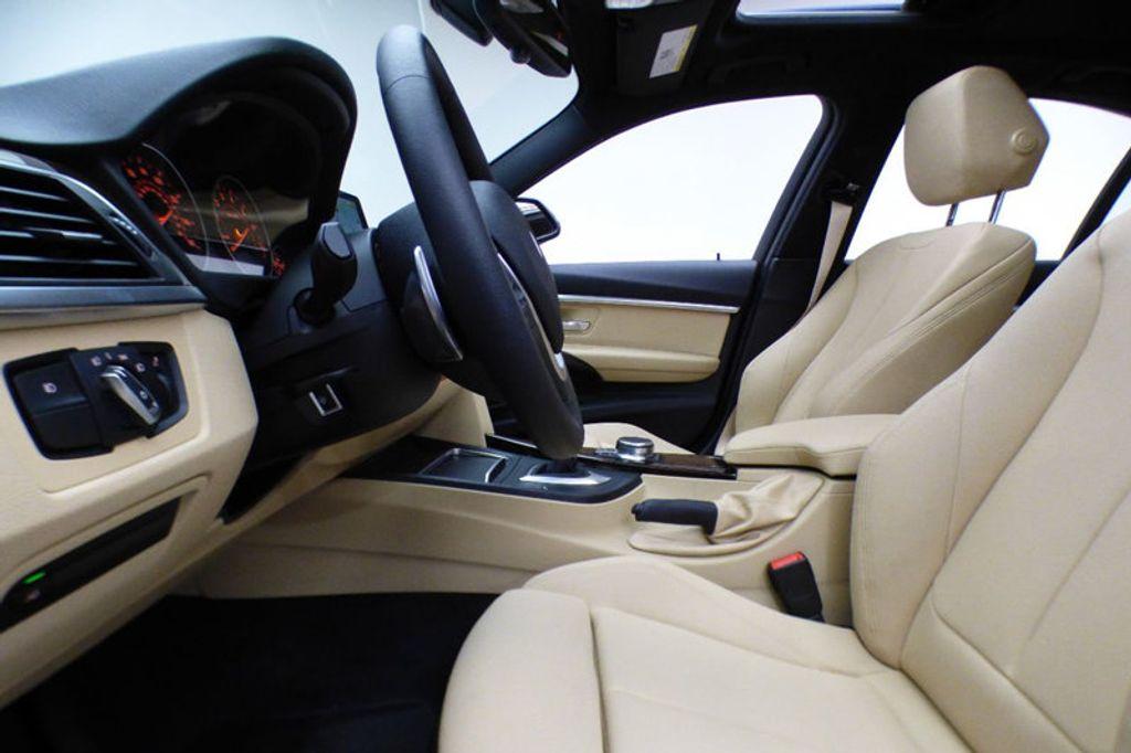 2018 BMW 3 Series 330i xDrive - 17421742 - 7