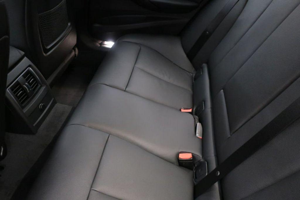2018 BMW 3 Series 330i xDrive Sports - 16698639 - 18
