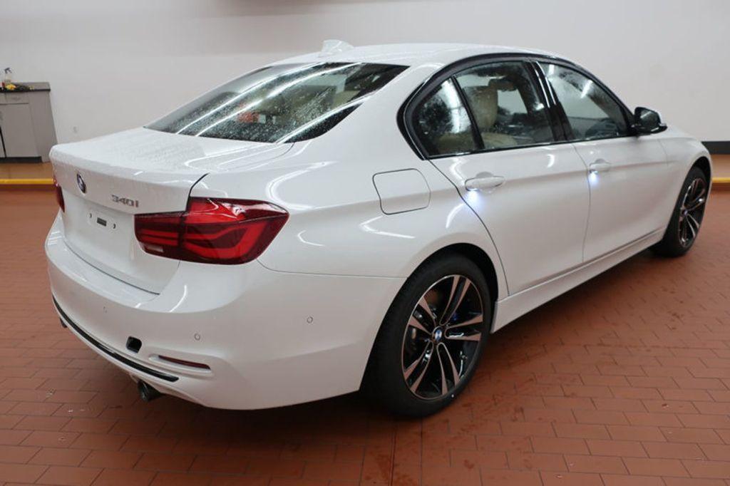 2018 BMW 3 Series 340i - 16926828 - 3