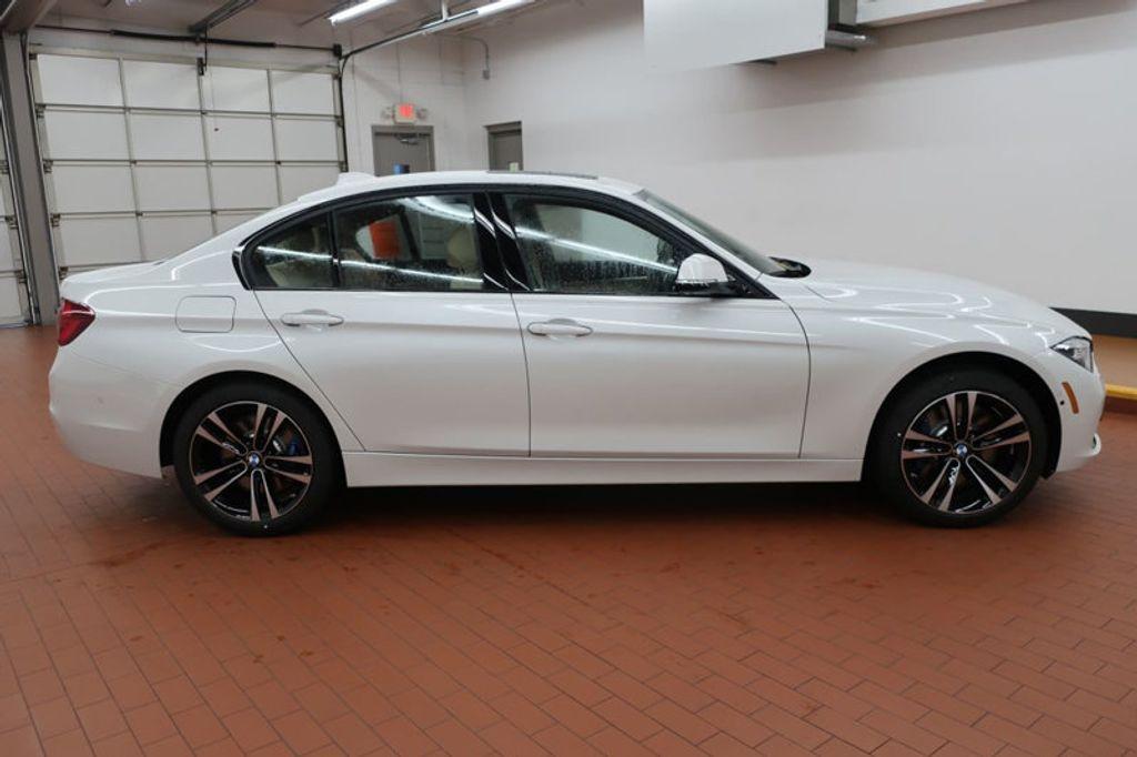 2018 BMW 3 Series 340i - 16926828 - 4