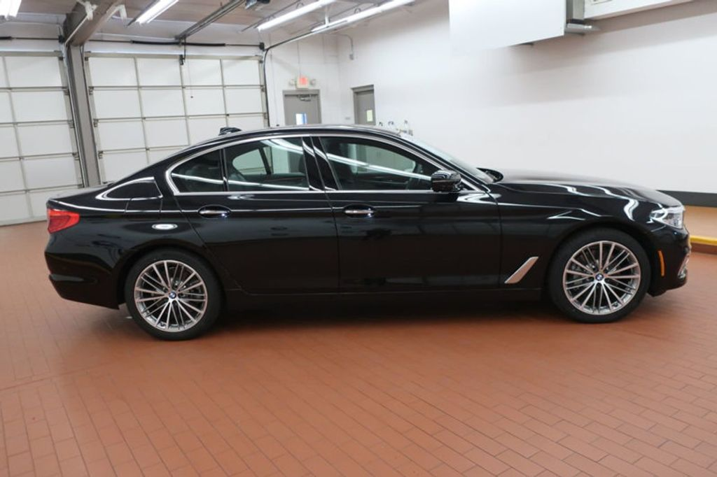 2018 BMW 5 Series 540i xDrive - 17935793 - 6