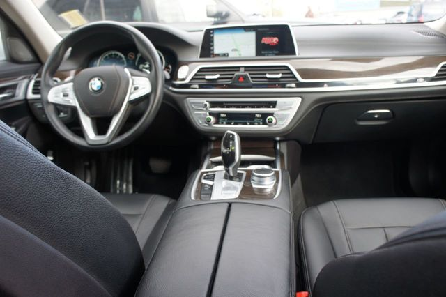 2018 BMW 7 Series 740i xDrive - 18257405 - 11