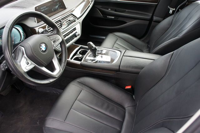 2018 BMW 7 Series 740i xDrive - 18257405 - 7