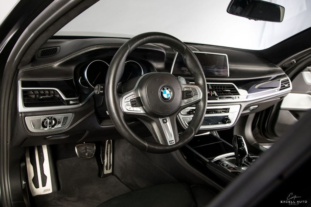 2018 BMW 7 Series M760i xDrive - 18602681 - 11