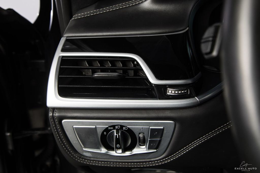 2018 BMW 7 Series M760i xDrive - 18602681 - 21
