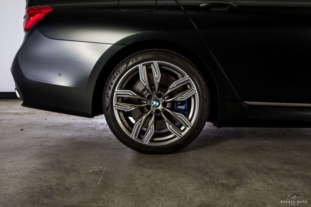 2018 BMW 7 Series M760i xDrive - 18602681 - 40