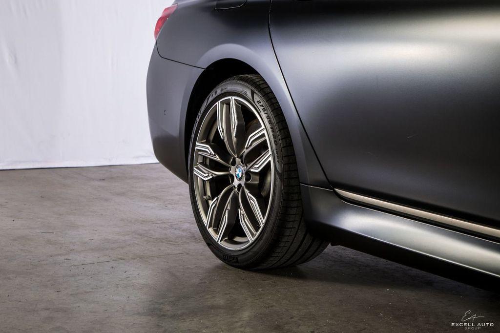 2018 BMW 7 Series M760i xDrive - 18602681 - 42