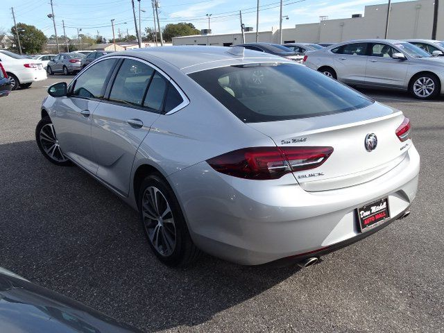 2018 Buick Regal Sportback 4dr Sedan Essence FWD - 18413383 - 3