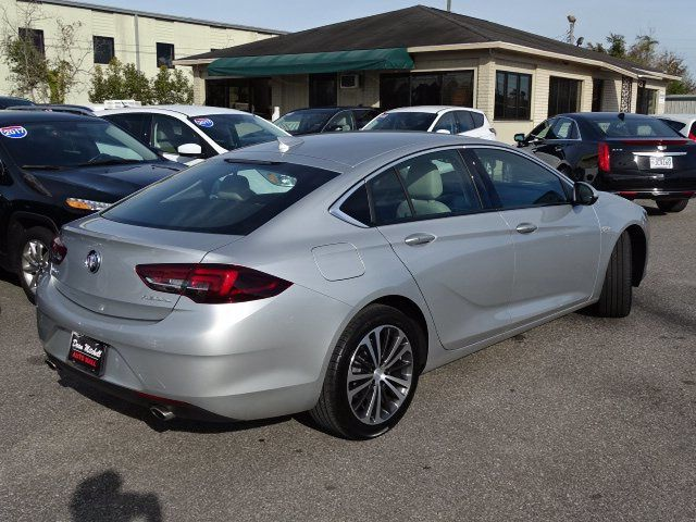 2018 Buick Regal Sportback 4dr Sedan Essence FWD - 18413383 - 4