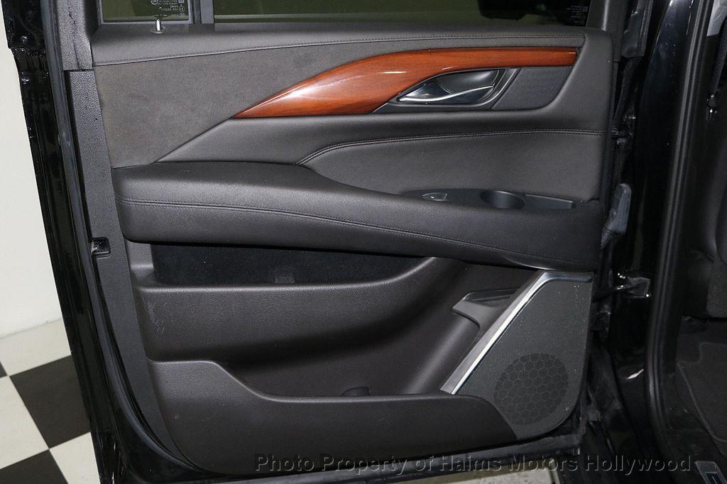 2018 Cadillac Escalade ESV 2WD 4dr Luxury - 17749266 - 12