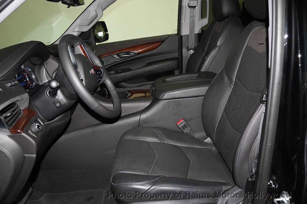 2018 Cadillac Escalade ESV 2WD 4dr Luxury - 17749266 - 20