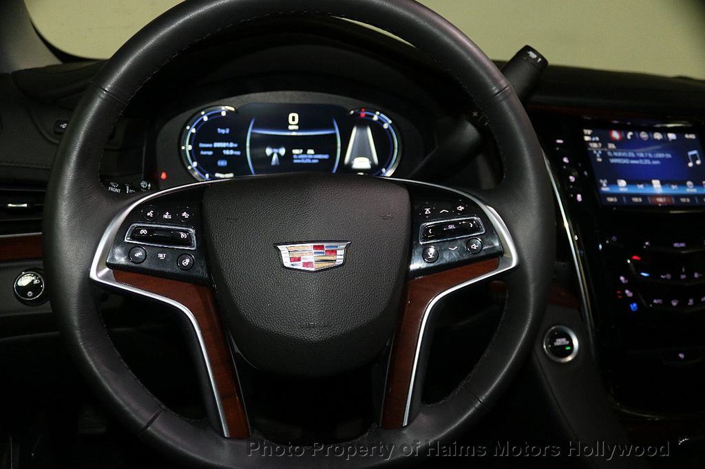 2018 Cadillac Escalade ESV 2WD 4dr Luxury - 17749266 - 32