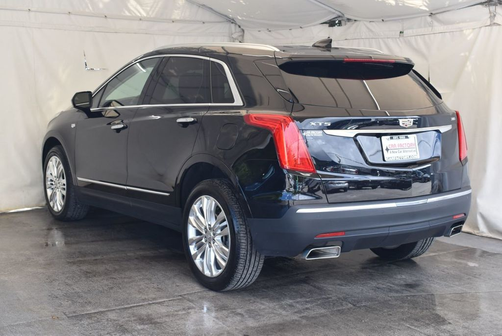 2018 Cadillac XT5 Crossover FWD 4dr Premium Luxury - 18078911 - 5