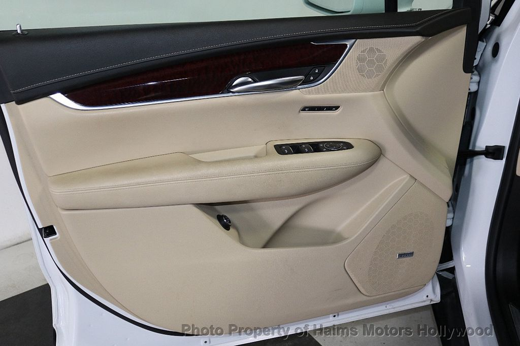 2018 Cadillac XT5 Crossover FWD 4dr Premium Luxury - 18196869 - 11