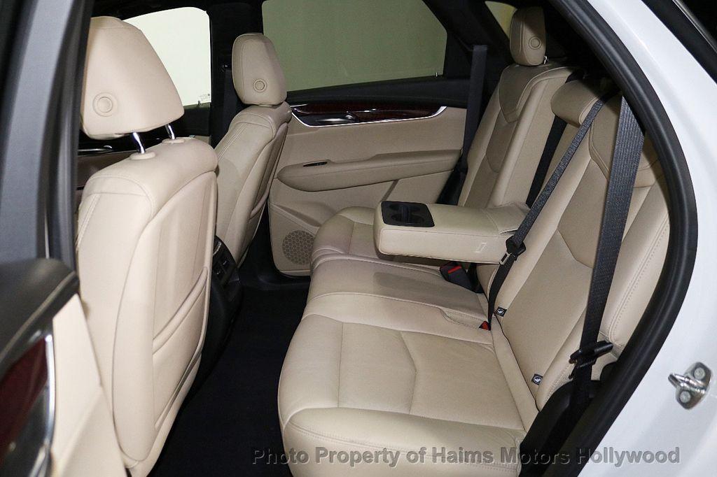 2018 Cadillac XT5 Crossover FWD 4dr Premium Luxury - 18196869 - 17