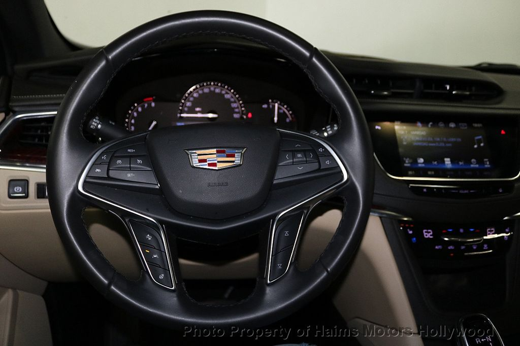 2018 Cadillac XT5 Crossover FWD 4dr Premium Luxury - 18196869 - 29