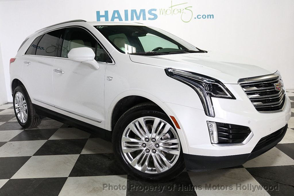 2018 Cadillac XT5 Crossover FWD 4dr Premium Luxury - 18196869 - 3