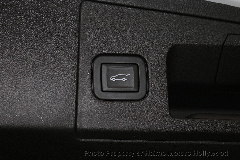 2018 Cadillac XT5 Crossover FWD 4dr Premium Luxury - 18319610 - 9