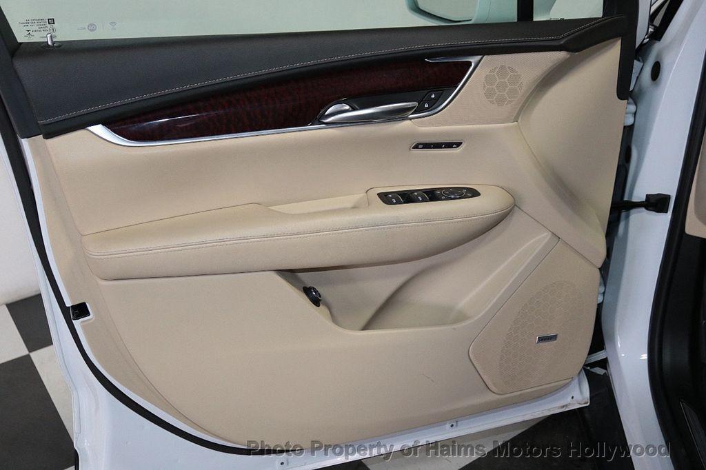 2018 Cadillac XT5 Crossover FWD 4dr Premium Luxury - 18319610 - 10