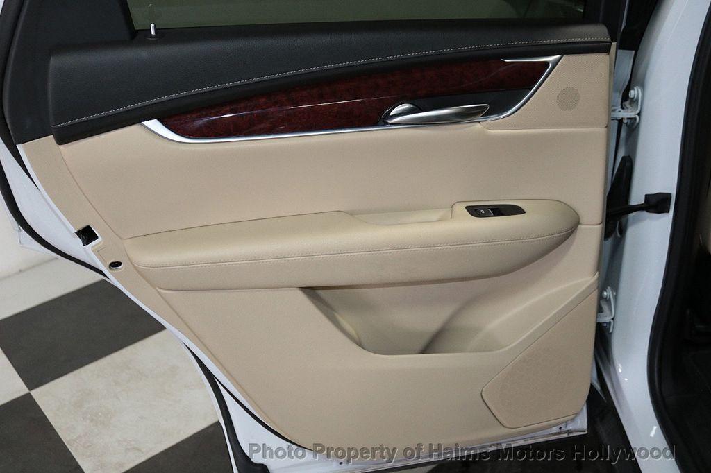 2018 Cadillac XT5 Crossover FWD 4dr Premium Luxury - 18319610 - 11