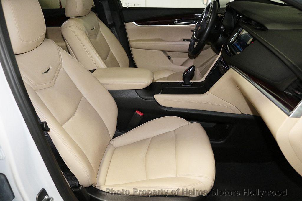 2018 Cadillac XT5 Crossover FWD 4dr Premium Luxury - 18319610 - 14