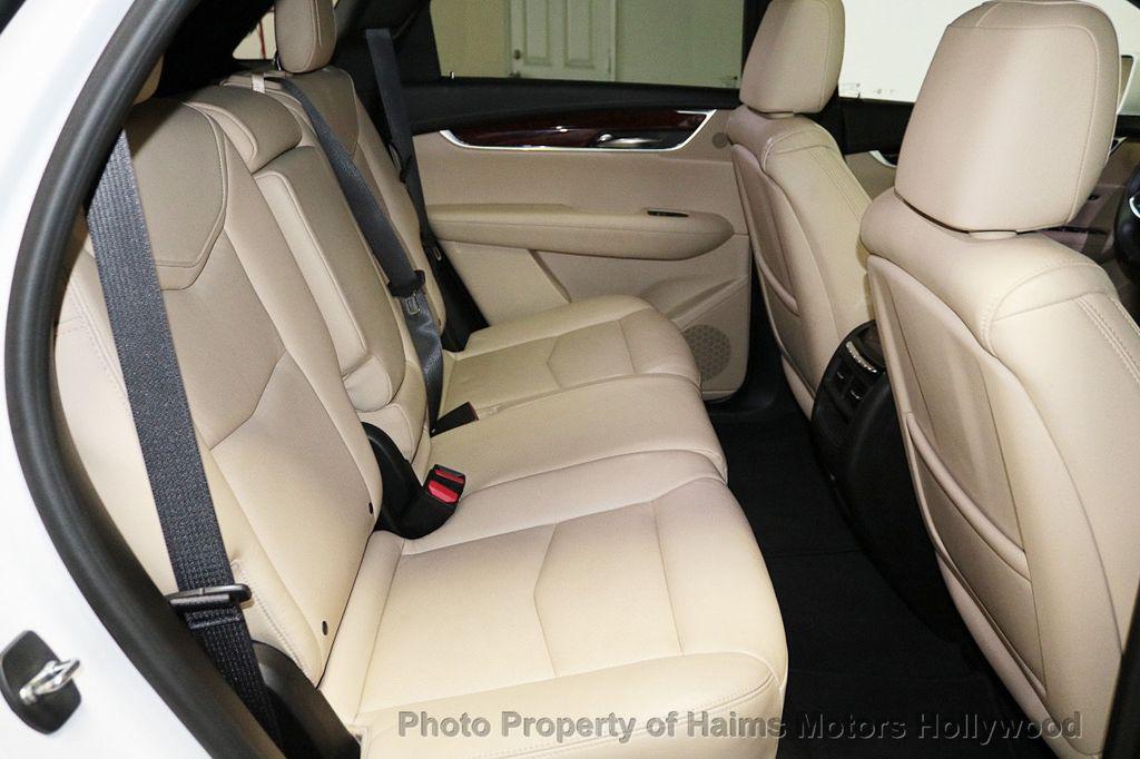 2018 Cadillac XT5 Crossover FWD 4dr Premium Luxury - 18319610 - 15