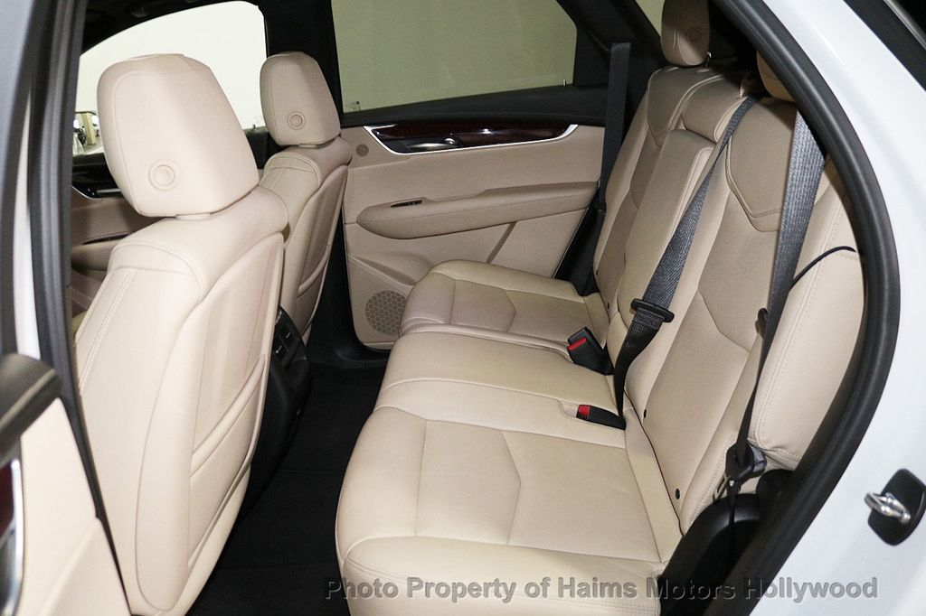 2018 Cadillac XT5 Crossover FWD 4dr Premium Luxury - 18319610 - 16