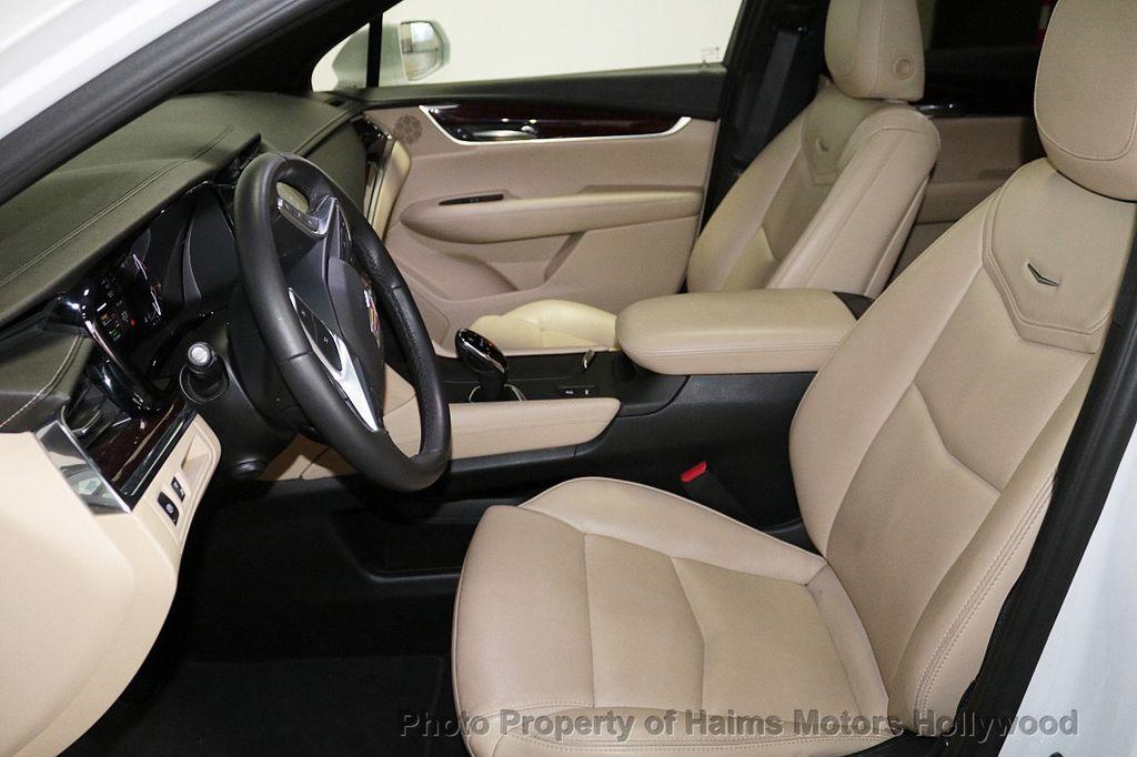 2018 Cadillac XT5 Crossover FWD 4dr Premium Luxury - 18319610 - 17