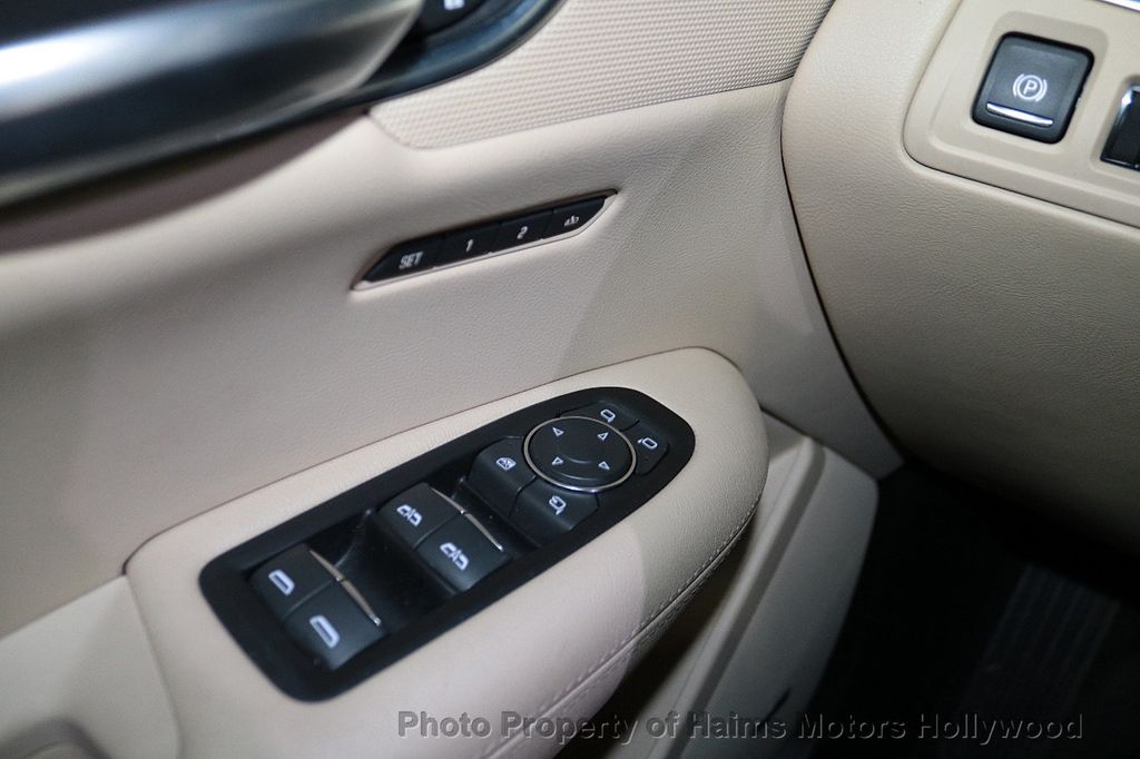 2018 Cadillac XT5 Crossover FWD 4dr Premium Luxury - 18319610 - 24
